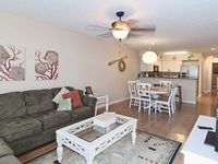 True Blue-1st fl-3 bed 2 bath-Comfy Beds 2 kings-1 full -1 twin-Great Location
