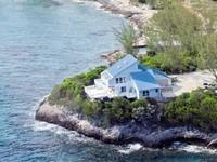 Oceanfront modern home 2 Master bedrooms plus 4 more bedrooms