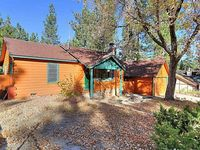 VISTA PINES RUSTIC WALK TO LAKE SINGLE STORY Prime Location