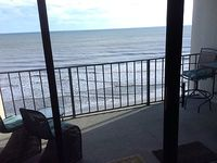 Oceanfront 2BD 2BA Classic Decor and Refined Furnishings