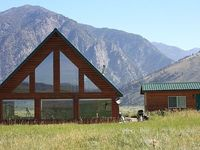BEAUTIFUL 2BR 2BA CABIN short drive to Park mt-cabins com