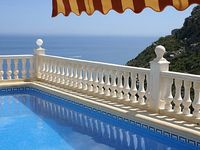 Spectacular Sea + Mountain views 3 bedrooms 2 bathrooms Heated Pool WiFI A C