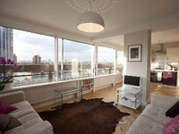 Groovy 60s Battersea flat with panoramic Thames views