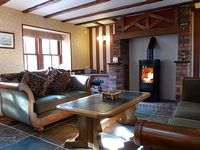 Cosy Comfortable and Spacious 3 bedroom cottage Fully refurbished
