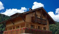 Independent self catered chalet with 6 bedrooms 5 shower bathrooms