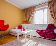 3 bedroom apartments in tsentre Dve bedrooms with large beds