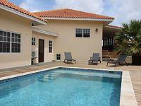 Sol Y Viento is a 3 bed 2 bath villa with lake view veranda and private pool
