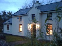 3 bed luxury cottage sleeps 6 + cot large gardens open fire 4poster bed bbq