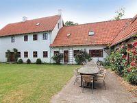 10 bedroom accommodation in Dannemare