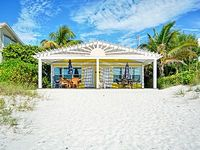 4 apartments a 1BR right on the sandy beach of Anna Maria Island newly furnished