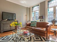 Magnificent two bedroom apartment housing up to four guests opposite the Oosterpark in Amsterdam Ea