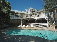 3 bed 2 bath home with pool and FP sleeps 6 nr beaches trail and golf