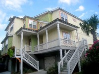 3 Bedroom 3 Bathroom Townhome - close to beach and attractions