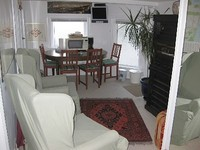 2 Bedrooms 1 Full Bath w 6 foot Jaccuzzi Sleeps 4 Sitting Room