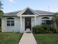 Beautiful Family Home Quiet Neighborhood - Great Value