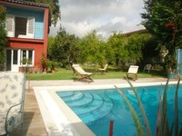 Relaxing Villa 3 km from the historical centre FREE WIFI Car not necessar