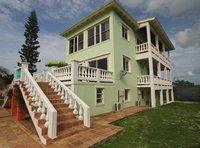 Grand Waterfront Home avec plage priv e piscine d bordement et de beaux jardins