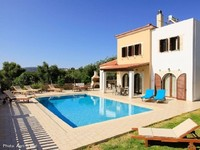 Detached Villa Bedrooms 4 Bathrooms 2 Sleeps 9