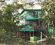 Ashley Tree House proximit de la plage aire de jeux de la nourriture des boissons et des sports nautiques
