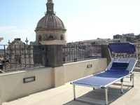 Apartment with 2 bedrooms and sleeps 4 in the heart of the historic city