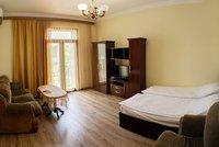 Appartement lumineux au coeur d 39 Erevan par RlS