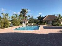droit cottage fantastique sur l 39 eau Sur une maison ressemblant un parc immobilier