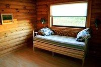 cabane en bois confortable dans la nature